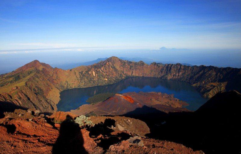 Experiencing Mount Rinjani Trek, Indonesia