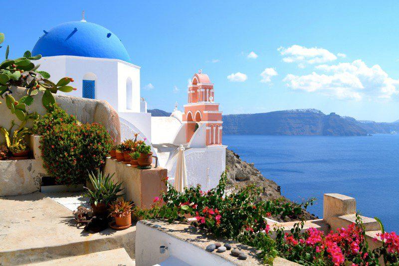 Santorini Island – A Greek Paradise