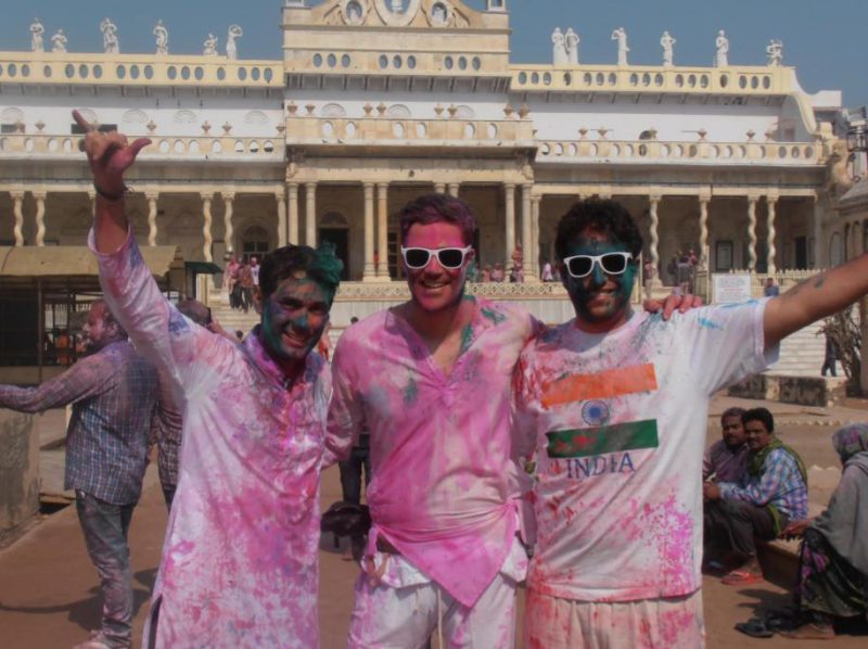 4 Reasons Why You Make the Greatest Friends in Life When You Travel Abroad