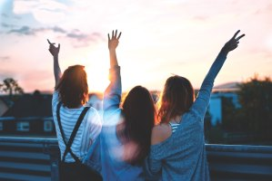 Tips On How To Maintain Long-Distance Friendships