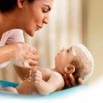 Cuidar y proteger la delicada piel del bebé del frío invierno