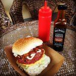 hamburger con bacon e cheddar