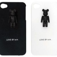 LOVE BY e.m. PLUS 50% iPhoneケース ベアブリック(BE@RBRICK)[情報]
