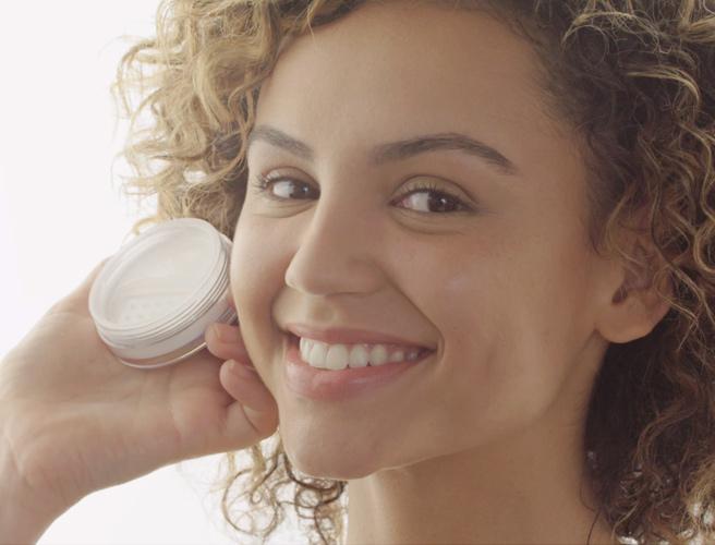 #MakeupMonday Tip: How to Get a Seamless Finish