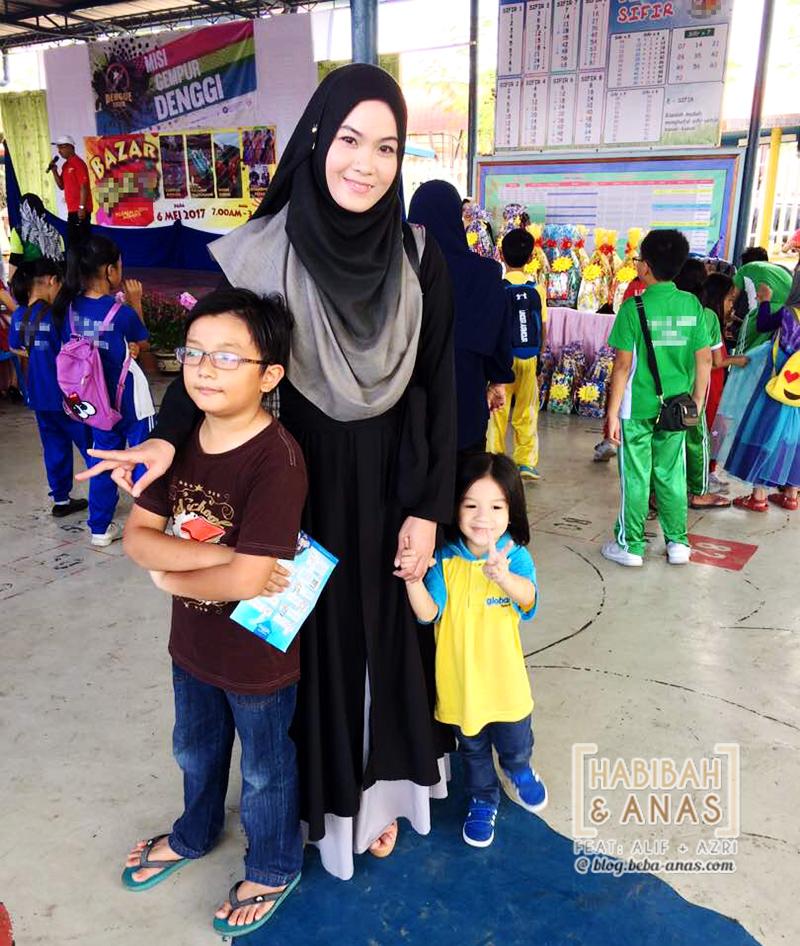 bazaar-sekolah-at the bazaar