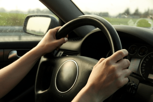 Carro puxando para o lado. Bem Auto Oficina Mecânica Especializada no Kobrasol, São José, Florianópolis, Biguaçu, Palhoça.