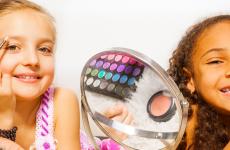 crianças e maquiagem