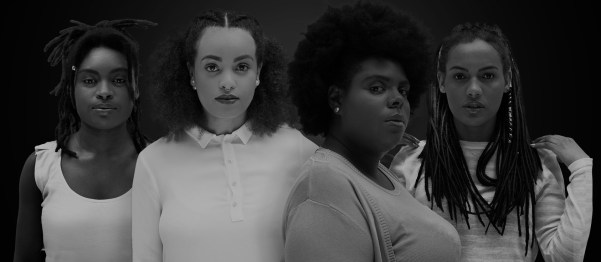 Foto com quatro mulheres negras representando o projeto Negras Potências