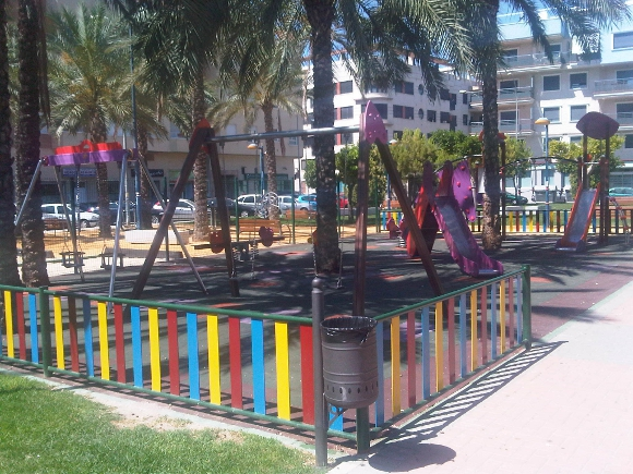 Parque Infantil y Mobilario Urbano BENITO URBAN - Parque la Ocarasa, Orihuela (Alicante)