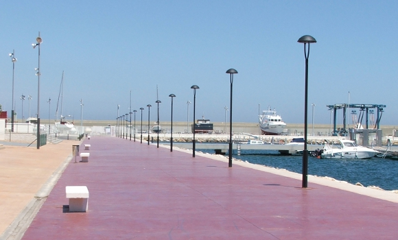Equipamiento urbano BENITO URBAN - Puerto deportivo de Garrucha, Almería