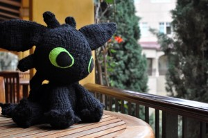 """Megan's knitted version of """"Toothless"""""""