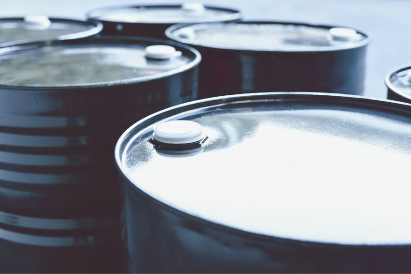 What's the Difference Between Plastic and Steel Drums?