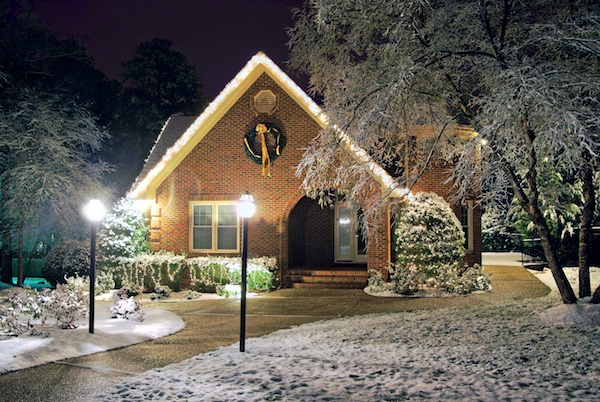 Winter maintenance tips for your outdoor lighting
