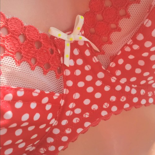 Cleo_Minnie_red_3