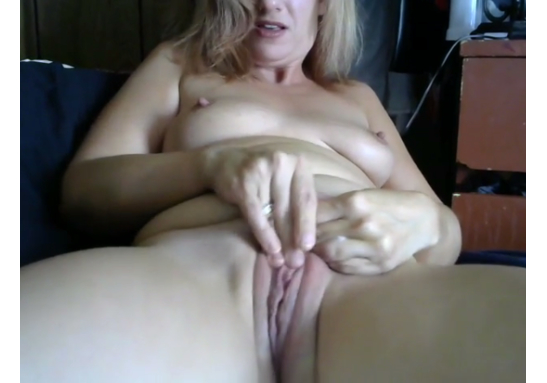 Editors Pick: Webcam MILF Rachel Avery Plays with Tight Pussy