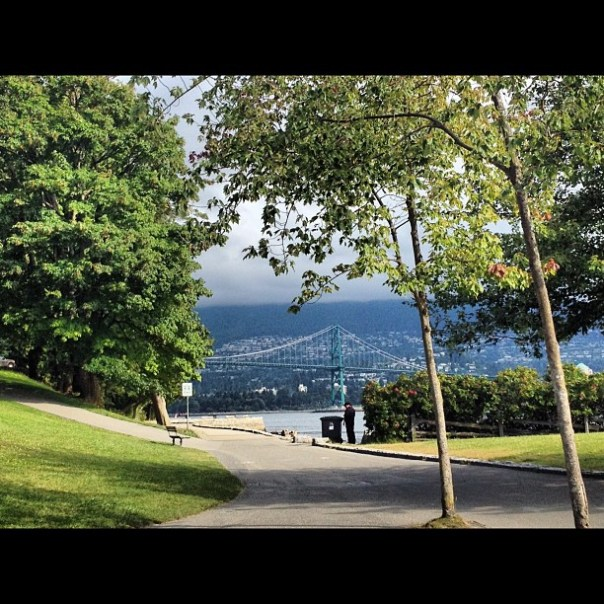 Good morning #Vancouver! #lionsgate #stanleypark #summer #morning - from Instagram