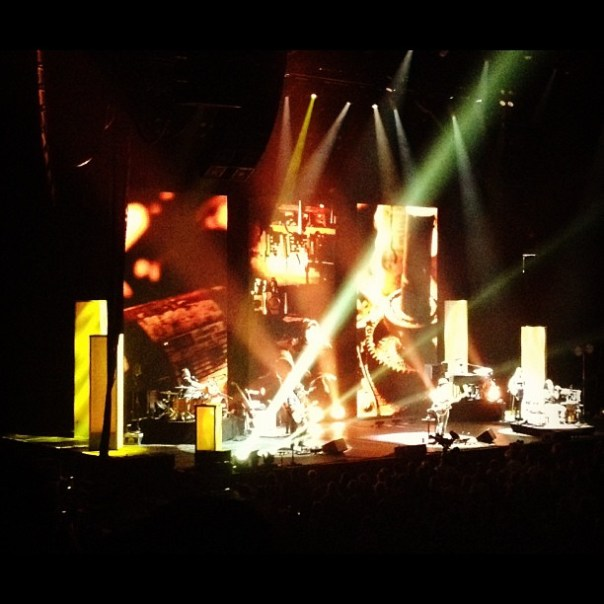 Do you have a design background? @Jason_Mraz I really like the stage design! - from Instagram