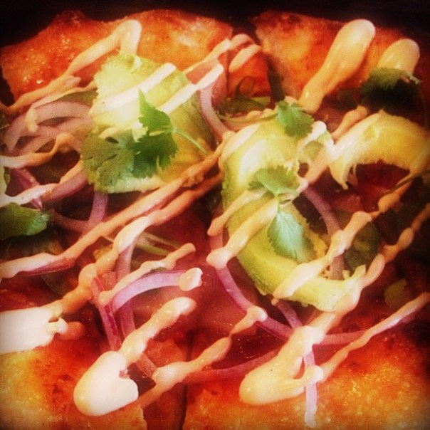 Sunday brunch @ParlourYaletown w/ @joshrimer @maryinvancity & @jminter #Fresh #Tuna #Pizza - from Instagram