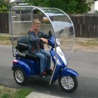 Tricicleta electrică ZT-15, varianta de iarnă sau ploaie