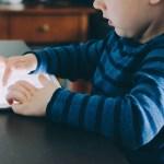 Ipad e schermi ostacolano lo sviluppo emotivo del bambino