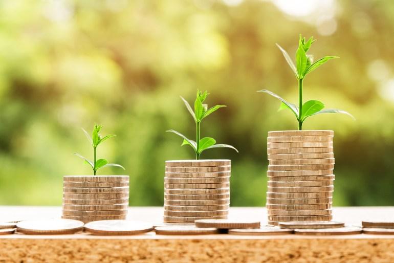 Pilhas de moedas em ordem crescente