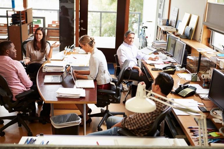 Equipe trabalhando em escritório