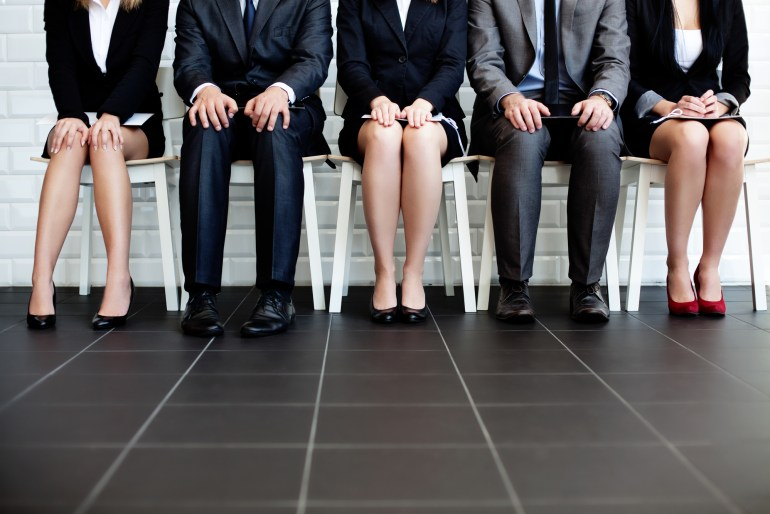 Candidatos esperando para entrevista