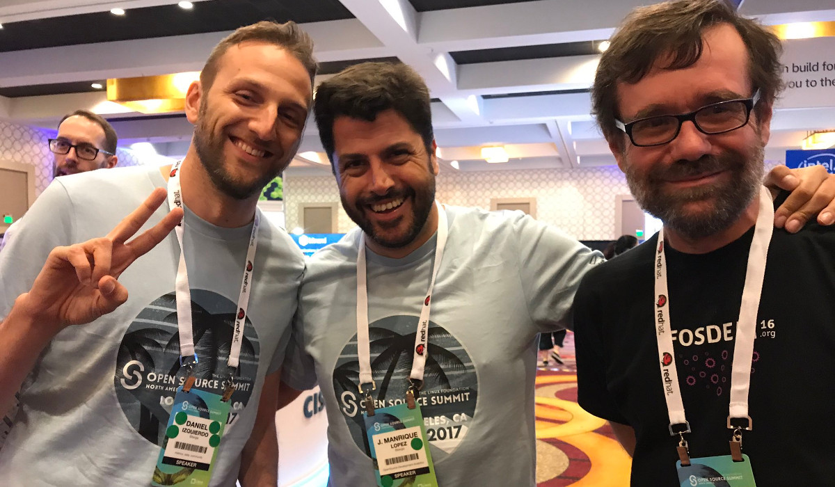 From left to right: Daniel Izquierdo, Manrique López and Jesús M. González-Barahona