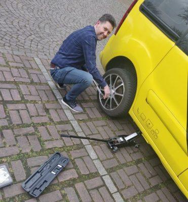 """""""Hoch auf dem gelben Wagen sitz' ich beim Schwager vorn…."""""""