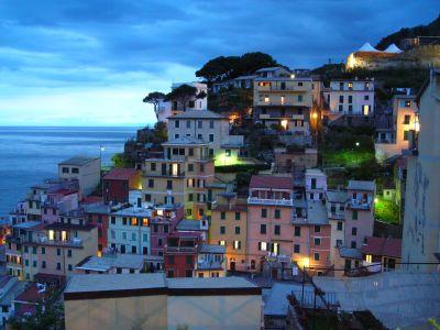 Riomaggiore-Colorful-Village-Italy-4