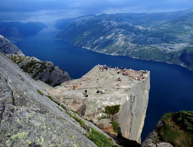 Norvegia, Preachers Rock; sursa foto - Ipso