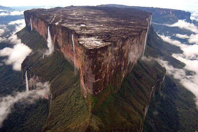 Venezuela, Mount Roraima; sursa foto - topdesignmag