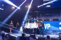 Dotapit finale - pobjednički tim i organizatori