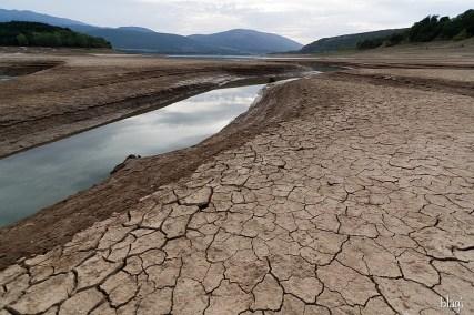 Peručko jezero za suše, Hrvatska
