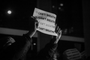 I can't breathe - signs being held by protesters in New York City, refering to the last words of Eric Garner. (image: Dave Bledsoe, Flickr)
