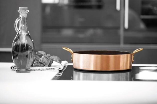 Imagebild_Sautoir mit Griffen_Herd Keramik-Kupfer-Kochgeschirr-bleywaren-onlineshop-weyersberg-kupferpfanne