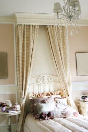 bed canopy cornice