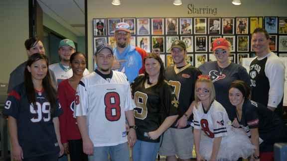 Blinds.com Super Bowl Fun - Best Fan Day