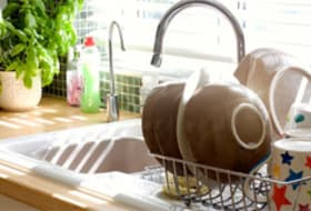 How to Clean Your Kitchen Sink