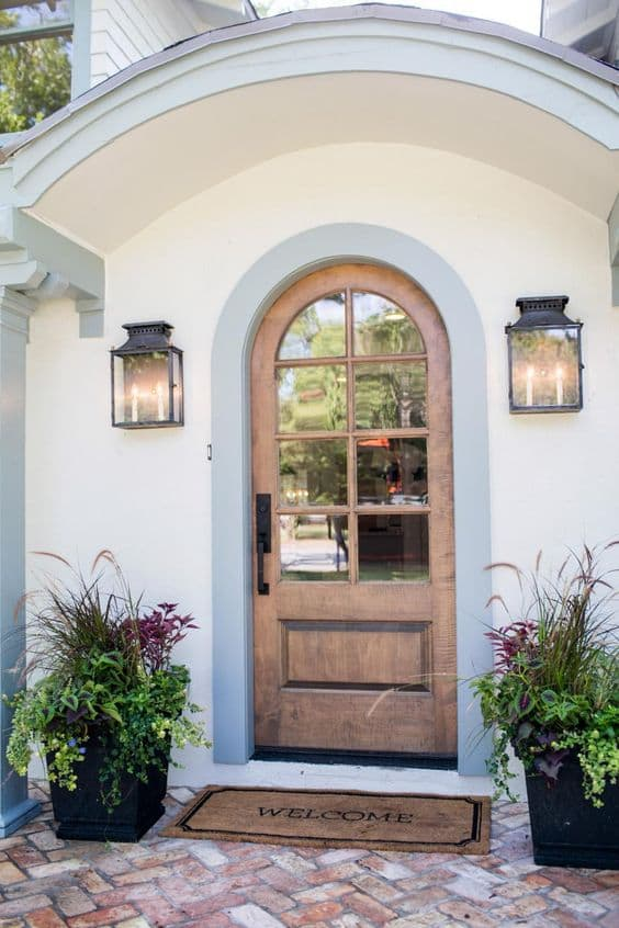 Fixer-Upper-Flower-Container-Ideas-and-Curb-Appeal