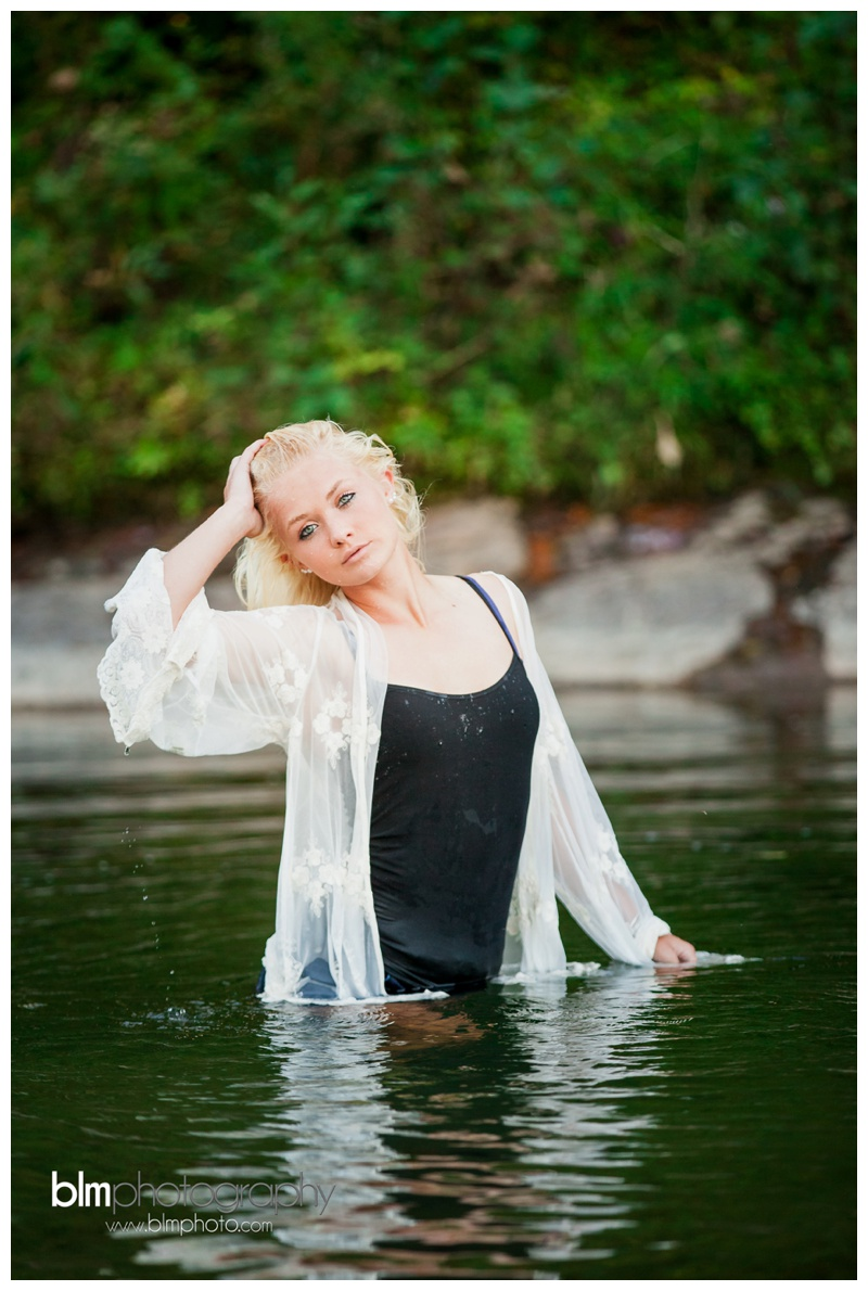 Corrina-Oakley_Senior-Photos_092315-4863.jpg