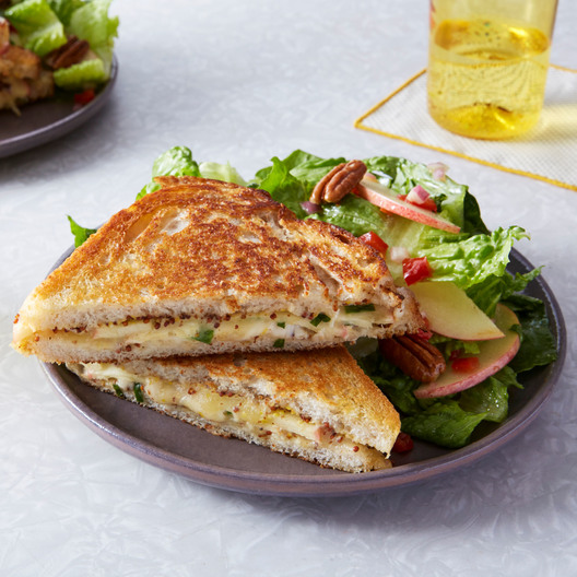 1023_2PV2_Grilled-Cheese_93334_LN-AR_WEB_SQ_main_square_2x