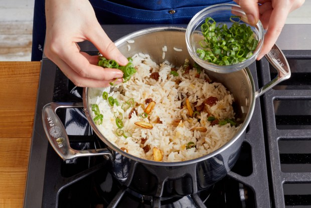 use crispy garlic in rice