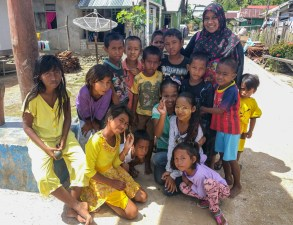 Neni and Kia with some children from Popisi