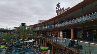 Fuertaventura - centrum handlowe w Corralejo