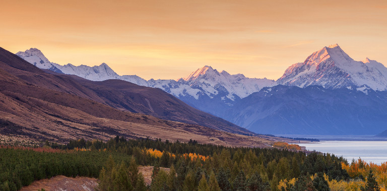 1.-Hiking-New-Zealand-for-Women