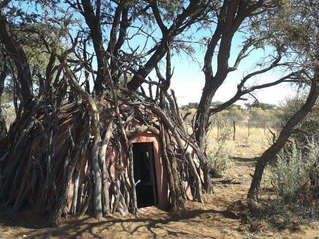 """A stationary """"pit"""" blind built in Africa for bowhunters"""