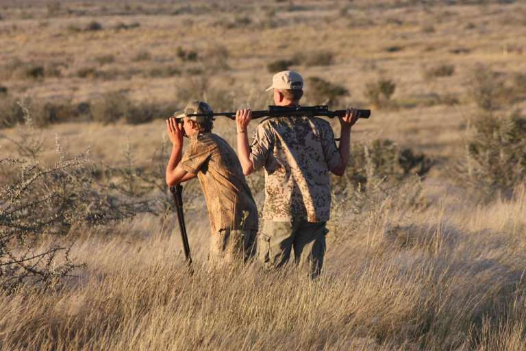 Hunters glassing