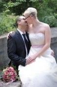 Obwohl die traditionelle, klassische Hochzeit nie unmodern wird, so verändert sich der Style der Brautbilder. Hochzeitsfotograf aus Nürnberg.