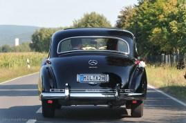 Hochzeitsfotograf Dorf am See Seehotel Niedernberg Adenauer Mercedes Hochzeitsauto